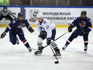 Нижегородский хоккейный клуб «Чайка» уступил приморскому «Тайфуну»