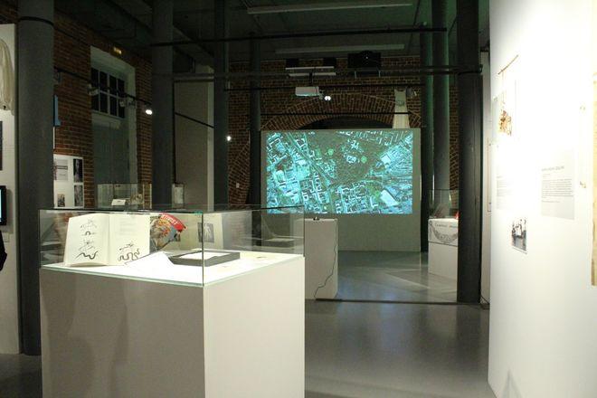 Смертельные горки и платье с мозгом: три новые выставки открылись в нижегородском «Арсенале» в честь его 22-летия - фото 19