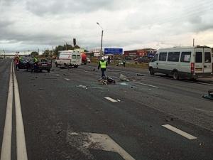 Четверо взрослых и ребенок погибли при столкновении трех машин на трассе в Кстовском районе