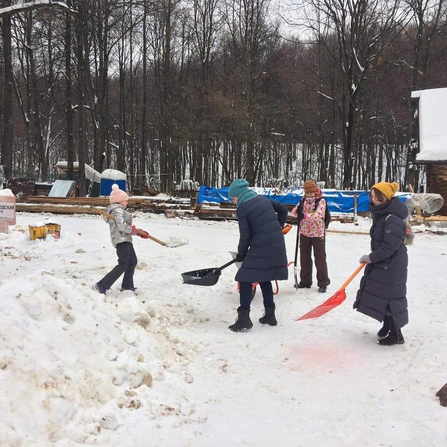 Нижегородцы расчистили от снега Дом Павловой - фото 1