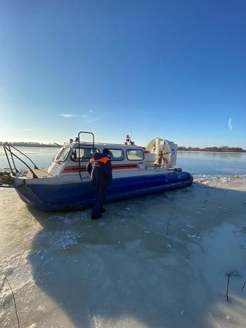 Еще девять человек спасены с дрейфующей льдины в Нижегородской области - фото 1