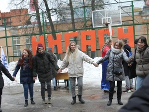 Будущие нижегородские архитекторы соревновались в бросании валенок