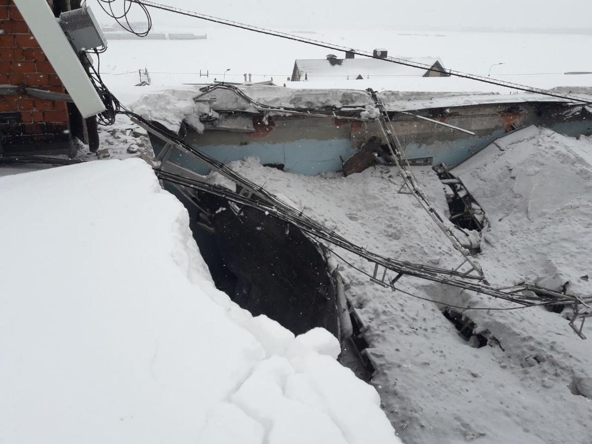 Крыша реставрируемого здания обрушилась на Нижне-Волжской набережной - фото 2