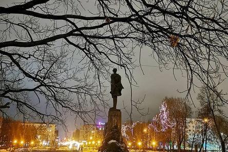 Пешеходные дорожки и лестницы приведут в порядок на площади Горького