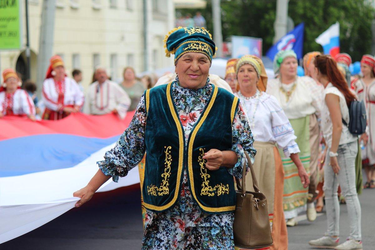 Фестивали духовых оркестров и Дружбы народов прошли в Нижнем Новгороде в День России - фото 3